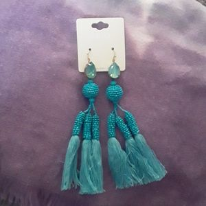 Nwt Mia statement earrings